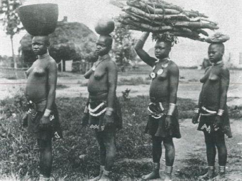 5 Girls in Zimbabwe